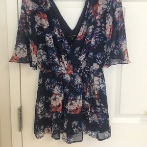 Casual v-neck purple floral romper